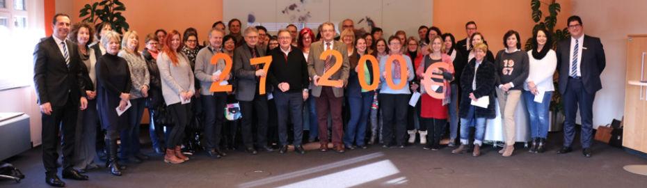 Schulen und Kindereinrichtungen freuten sich über 27.200 Euro